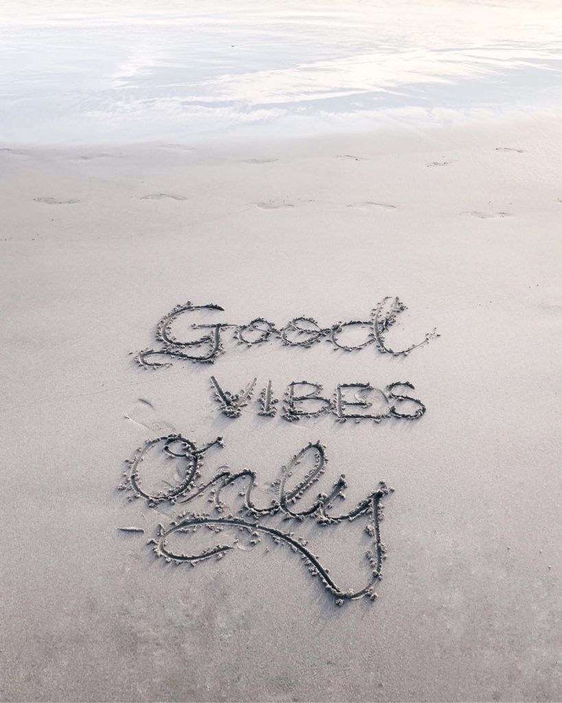 good-vibes-only-819x1024 EL KARMA DIGITAL EXISTE